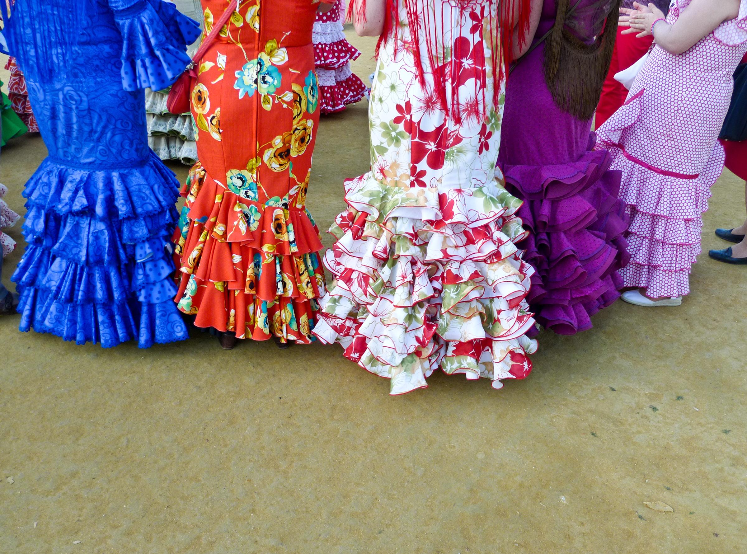 Diferentes trajes de flamenca