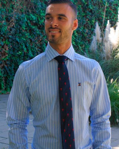 corbata perfecta con Arenal De Sevilla