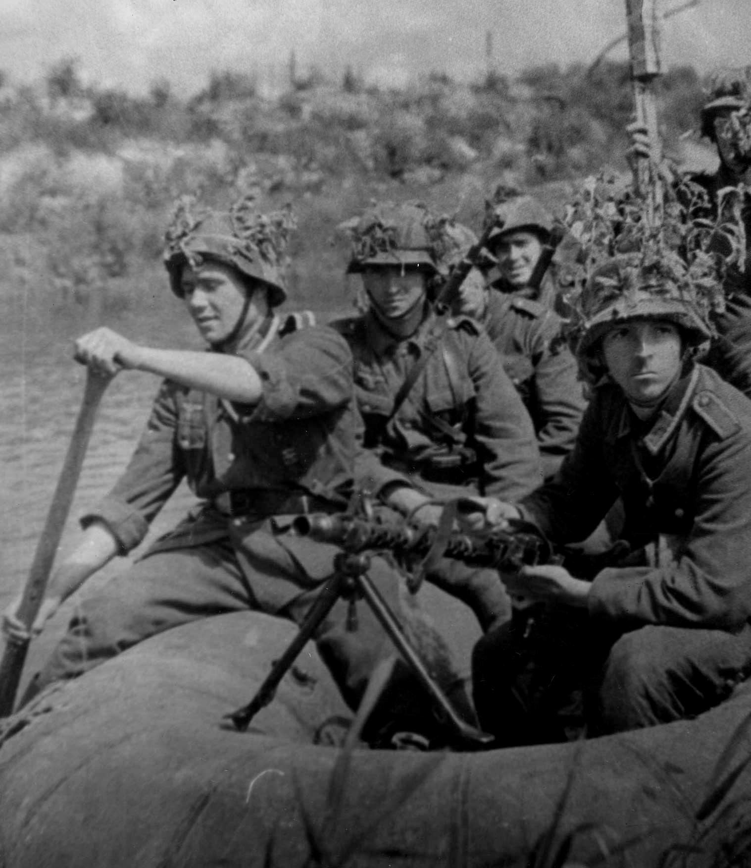 Miembros de la División Azul cerca de Leningrado