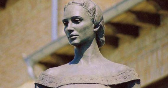 Monumento a Beatriz Galindo