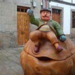 Estatua del Apalpador gallego en Santiago de Compostela